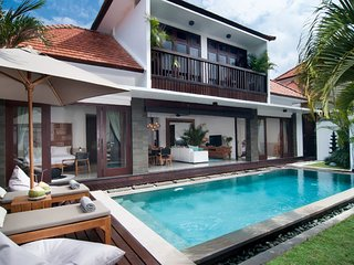 Charming 3 BR Villa Close to Seminyak - Villa Olli