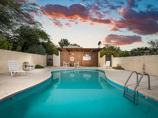 Corner condo in Tucson foothills w/ a community pool & two private patios
