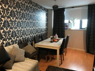 Luxury 2 bed 2 sofa bed city centre apartment