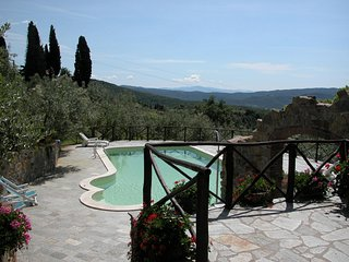 I5.139 - Villa with pool a...