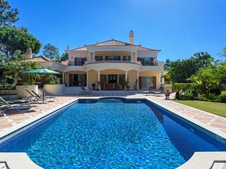 Quinta do Lago Villa Sleeps 8 with Pool Air Con and WiFi - 5479971