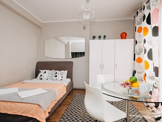 Easy Living Glamorous Studio Zbawiciela Apartment