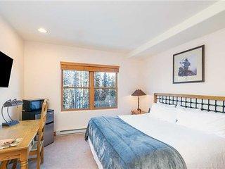 Bear Creek Lodge 208B