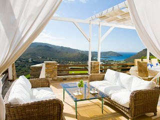 Andros: Luxurious Cycladic Villa With Private Swimming Pool
