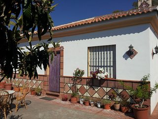 Beautifully situated villa with build-up pool near Comares.