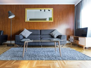 LUXURIUS ARCHITECTS APARTMENT