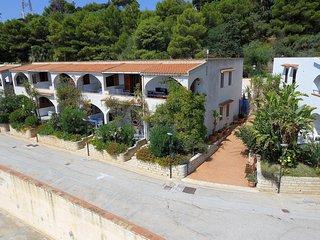 Cadoro Case Vacanza 5 posti letto, balcone vista mare a 280 metri dalla spiaggia