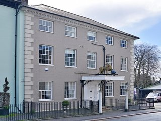 Golden Lion House - An historic and spacious townhouse