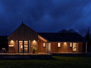 Sunnybrook - A luxurious Carbon Neutral House close to beach