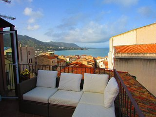 Cefalu Apartment Sleeps 3 with Air Con and WiFi - 5742606