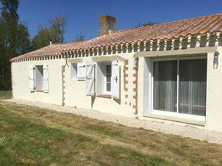 La Rosière, A lovely 3 bedroom/2 bathroomRenovated Longère near St Jean de Monts