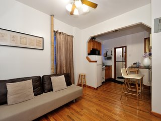 Roberta's NYC's Classic #3 - Two Bedroom Apartment - Apartment