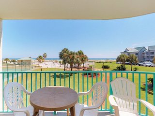 NEW! Waterfront condo w/shared pool & hot tub-near beach at Plantation Palms