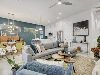 Stayloom's Luxury Single Family Spot | near DT
