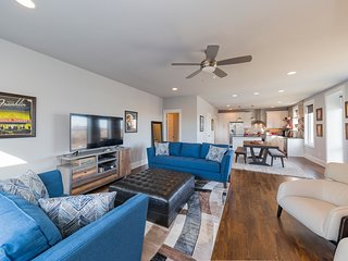 Melrose BNB Deluxe Townhome | Large Groups Welcome