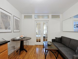 East Village 1Bed Vibrant Apt