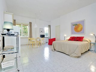 Cute studio in Parioli area, green and elegant (close to center)