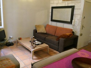 Avignon Apartment Sleeps 4 with Air Con and Free WiFi - 5742561