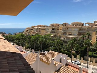 Spacious apartment in Benalmadena with Lift, Parking, Internet, Washing machine