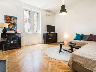 Apartment Mary