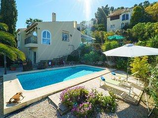 Spacious villa in Muntanya de la Sella with Internet, Washing machine, Pool