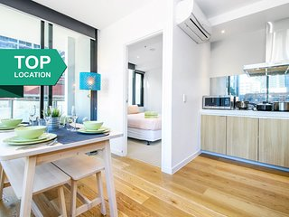 A Modern & Homely CBD Suite with a Pool & Gym