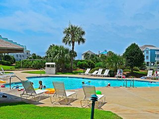 NEW! Waterfront condo w/ shared pool, hot tub, & beach access at Plantation West