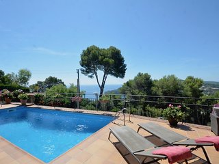 Cozy house in Begur with Parking, Washing machine, Air conditioning, Pool