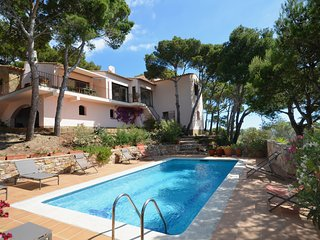 Cozy house in Begur with Parking, Washing machine, Pool, Balcony