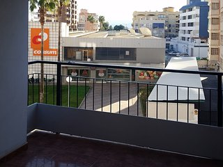 Spacious apartment in the center of Cullera with Washing machine, Balcony, Terra