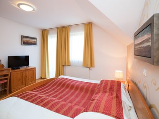 Cozy room in the center of Ribčev Laz with Parking, Internet