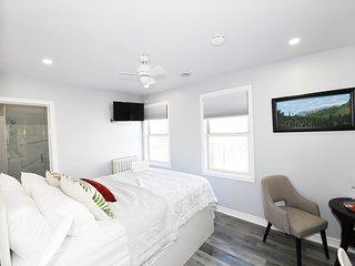 Serene Niagara B & B Willow Room