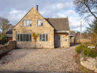 Barn End Cottage is a stunning property located in the village of Broad Campden