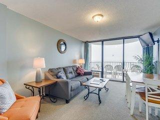 Oceanfront / Impressive Views/ Balcony at Palms Resort