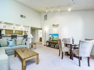 2BR, 1.5BA Palm Desert Resort Townhome on Golf Course