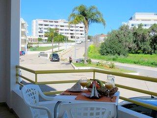 Apartamento Albufeira, terraza, Piscina, Tenis, AC.WIFI