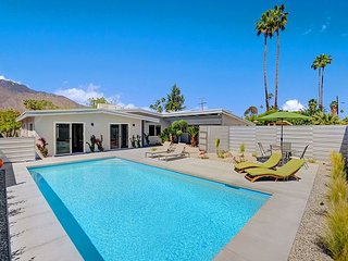 4BR/3BA w/Front yard pool in SouthEast Palm Springs Mountain Views