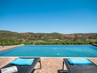 Vale Fuzeiros Villa Sleeps 16 with Pool and WiFi - 5718182