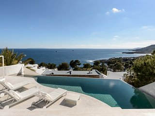Can Vistas Mar with infinity pool
