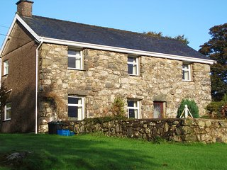 Self Catering Farmhouse Cottage central to Snowdonia