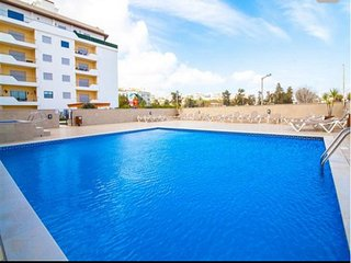 B05 - Luxury Central 2 Bed with SPA