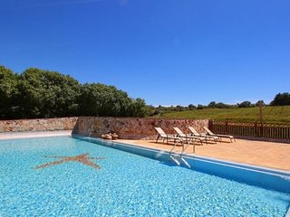 Estombar Villa Sleeps 5 with Pool Air Con and WiFi - 5718196