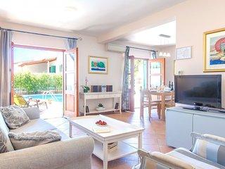 Hvar Villa Sleeps 8 with Pool Air Con and WiFi - 5739240