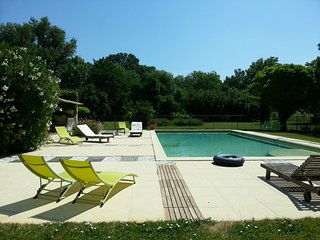 Cote Provence . Gite de Charme 4**** proche l'Isle sur la Sorgue . Les Alpilles