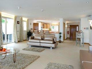 5 bedroom Villa in Alto da Cerca, Faro, Portugal - 5718214