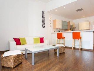Rue d'Antibes: modern apartment !
