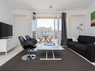 2 bedrooms: 200m from Croisette
