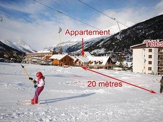 Deux locations 4 pers ;au pied des pistes avec votre acces direct en skis