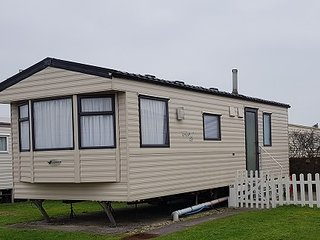 58 Brightholme Holiday Park - 4 Berth Caravan to Rent - Brean