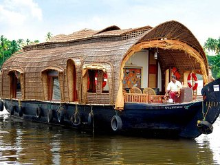 ALLEPPEY HOUSEBOATS 3 ROOM